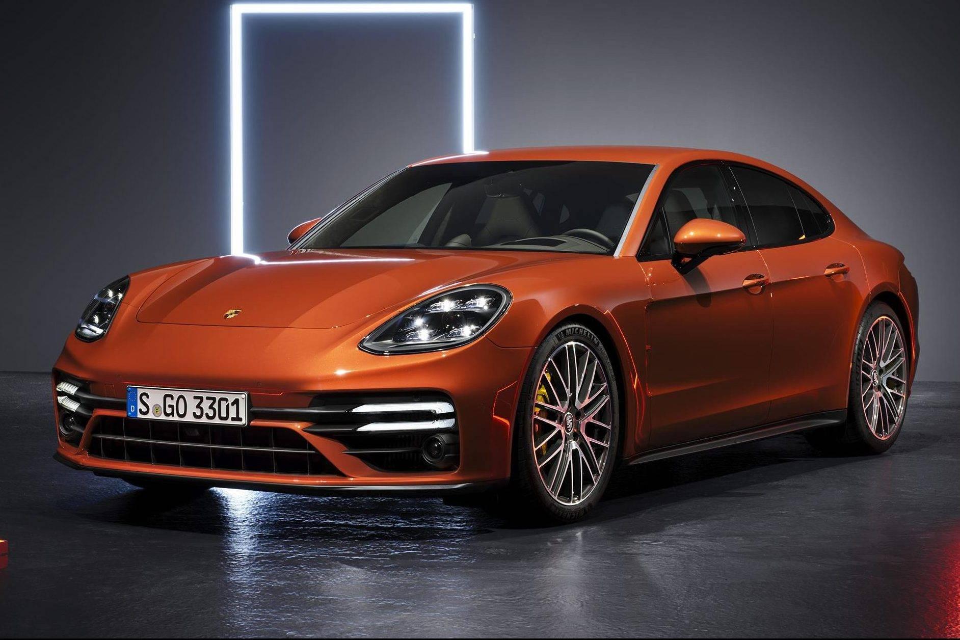 Novo Porsche Panamera chega mais potente e eficiente