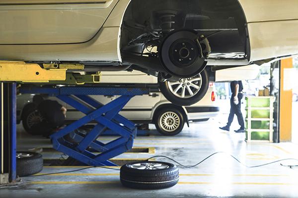Evite o comprometimento da suspensão do veículo